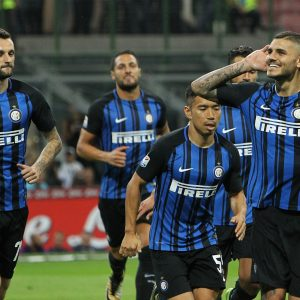 MILAN, ITALY - AUGUST 20:  Mauro Icardi Of FC Internazionale Celebrates After Scoring The Opening  Goal During The Serie A Match Between FC Internazionale And ACF Fiorentina At Stadio Giuseppe Meazza On August 20, 2017 In Milan, Italy.  (Photo By Marco Luzzani - Inter/Inter Via Getty Images) *** Local Caption *** Mauro Icardi