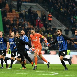 MILAN, ITALY - DECEMBER 03:  Player Of FC Internazionale Celebrate At The End Of The Serie A Match Between FC Internazionale And AC Chievo Verona At Stadio Giuseppe Meazza On December 3, 2017 In Milan, Italy.  (Photo By Claudio Villa - Inter/Inter Via Getty Images)